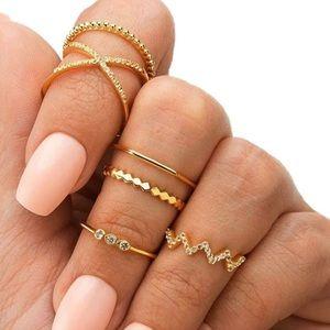 3/$30 💛 Dainty Ring Set